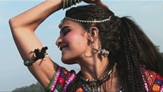 Learn Jadoo Ki Jhappi Dance Steps with Jacqueline - Ramaiya Vastavaiya Behind the Scene
