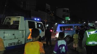 Terjadi Kecelakaan Tragis Sebuah Angkot 39 Di Jalan Mangga Dua Raya Jakarta Sabtu 4 Maret 2017