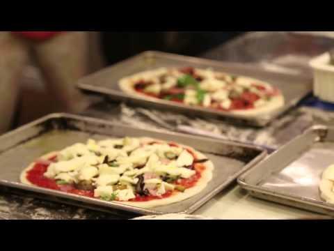 La scuola della pizza Rossopomodoro a New York