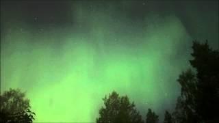 Norrsken i månljus