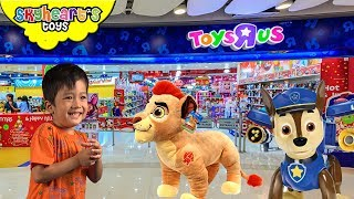 It's so fun at HK! After our Disneyland and Ocean Park adventures, we're going shopping at Toys R Us HongKong, and we saw Hatchimals, Lego, Mega Bloks, Dinosaurs, Takara Tomy, Minecraft, Minions, Super Wings, Pokemon, Guardians of the Galaxy, Disney Cars and many more!There were so many toys for kids, children and toddlers of all ages! You can also play inside the toys tore. Check it out at Toys R Us Hong Kong![CLICK HERE] Subscribe to our channel for more fun and toyshttp://youtube.com/c/SkyheartsToysChannel?sub_confirmation=1