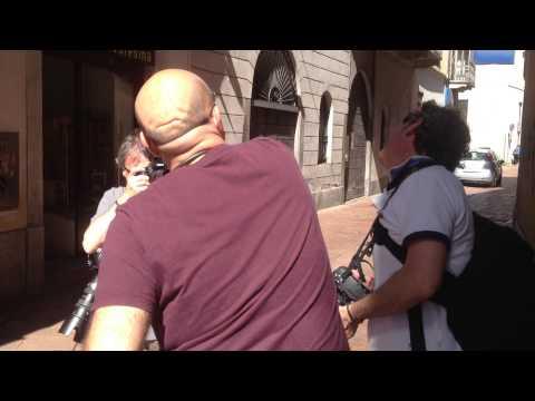 """Virzì """"picchia"""" Il fotografo: ma è una finta (HD)"""