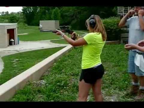 Mulher versus arma