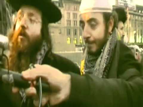 Neturei - The Neturei Karta are at it again, besides supporting Terrorism, they expose themselves on camera by saying it is the Sabbath. A Muslim himself asks Neturei ...