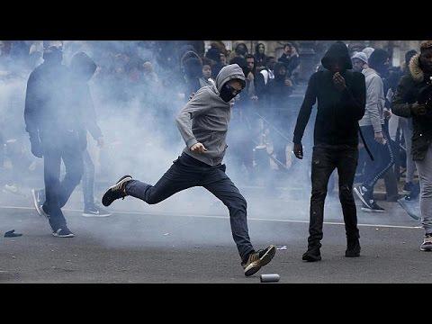 Συγκρούσεις μαθητών-αστυνομικών στο Παρίσι σε διαδήλωση για την αστυνομική βία