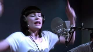 Jessie J singing Price Tag (Nova Acoustic)