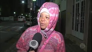 O inverno chegou para valer em várias regiões brasileiras. Em algumas cidades, as temperaturas baixas bateram recorde. Belo Horizonte foi a capital mais gela...