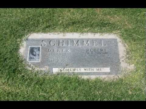 Robert Schimmel's Grave.mov