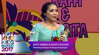 Video Keren, Nagita Slavina, Raffi, Rafathar Menang Keluarga Kesayangan  - Mom & Kids Awards 2017 (13/12) MP3, 3GP, MP4, WEBM, AVI, FLV September 2018