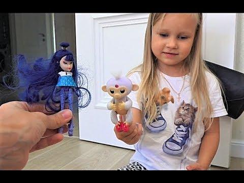 Алиса играет с куклами ЛОЛ и Барби ! Как весело провести время ! (видео)