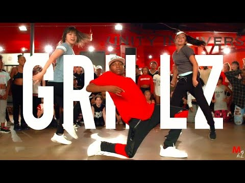 "Nelly - ""Grillz"" 