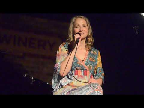 Joan Osborne What If God Was One Of Us May 19 2019 Chicago nunupics