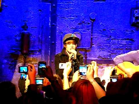 Justin Bieber in Paris, in private concert to Jamel comedy club part 3