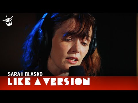 Sarah Blasko covers David Bowie's 'Life On Mars'