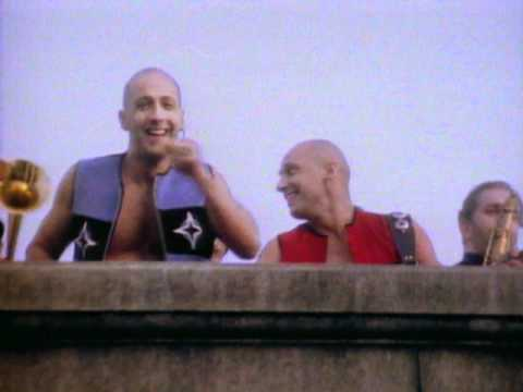 Tekst piosenki Right Said Fred - Deeply Dippy po polsku