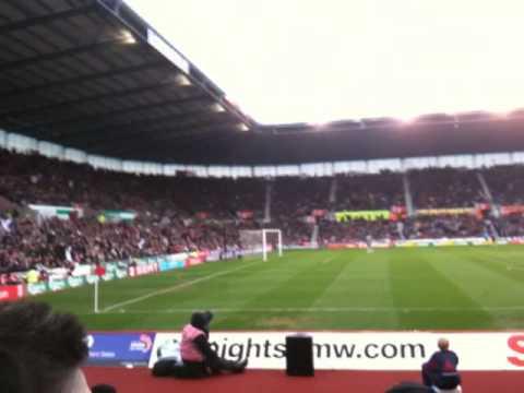 Ovación de hinchada del Stoke City en el estadio local