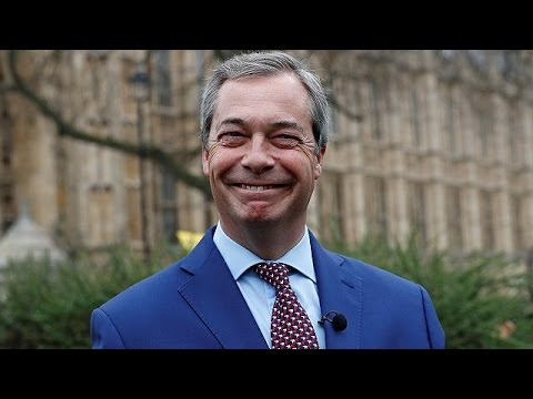 Ο Φάρατζ γιορτάζει για την έναρξη του Brexit