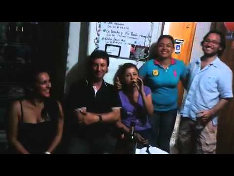 Wideo Palm Tree Hostel Medellin