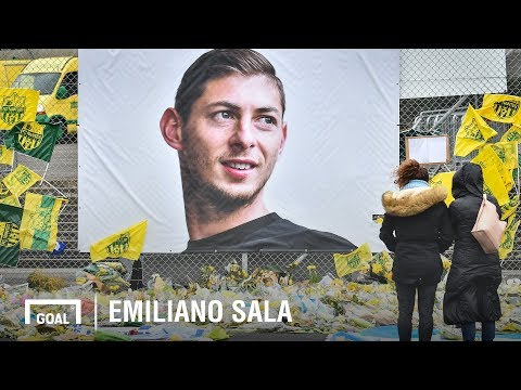 Emiliano Sala: Family & friends pay tribute after funeral - Thời lượng: 3 phút, 46 giây.