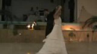 Notre première danse de mariage surprise - Lucie et Adrien      - YouTube