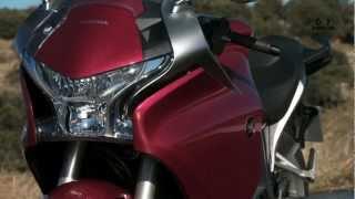 8. Videoprueba Honda vfr 1200f dct - Arpem, EU, 2013