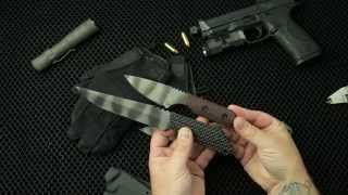 A quick, in the hand, overview of the sleek Strider fixed blade fighter.