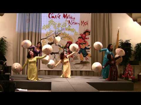 Mua Non La Version 2 - Nam Canh Dan 2010 - CDDMLV