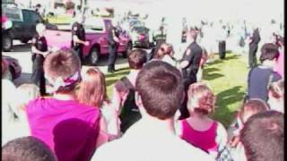Owasso (OK) United States  City new picture : westboro baptist church gets heckled and chased out of owasso oklahoma
