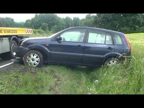 Frankenau: Rentnerin verunglückt mit Auto