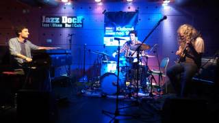 Video Jazz Dock. Ploy.