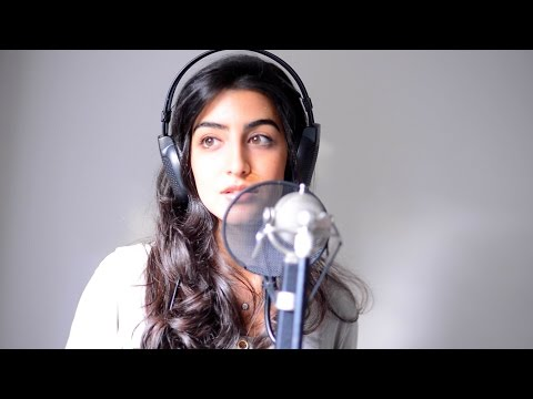 "Drake  ""One Dance"" feat. EMØ Cover by Luciana Zogbi"