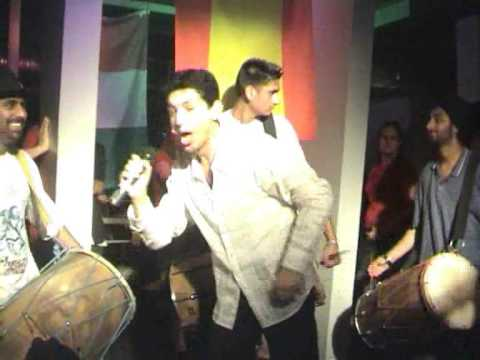 Yama Just Listen! VS. Shahrukh Khan, Pretty Woman from Kal Ho Naa Ho, Graduation Party