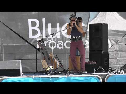 Juzzie Smith | Be Love, Harmonica Belt, One Man Band | Broadbeach Blues 2013 - 4/4