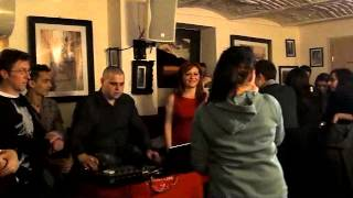 Karaoke Contest @Street Cafe - Deia - Stinge lumina sus pe bar!