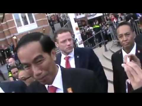 MUST SEE!!  How Indonesian People Love Their President JOKOWI