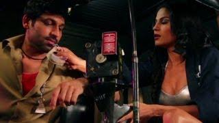 Veena Malik collects her due professionally - Zindagi 50 50