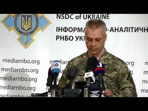 На кордоні з Кримом особи у цивільному намагаються отримати інформацію про розташування українських військ
