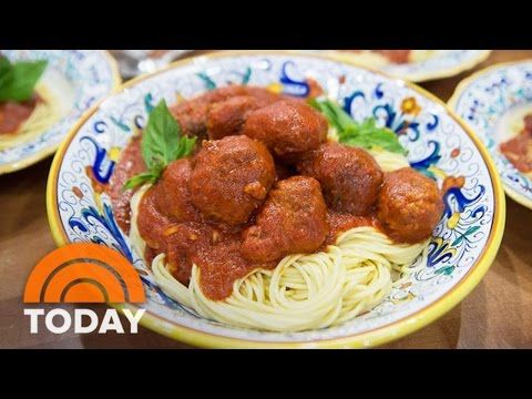 Vinny Guadagnino Joins KLG And Hoda With Mother's Day Recipes | TODAY