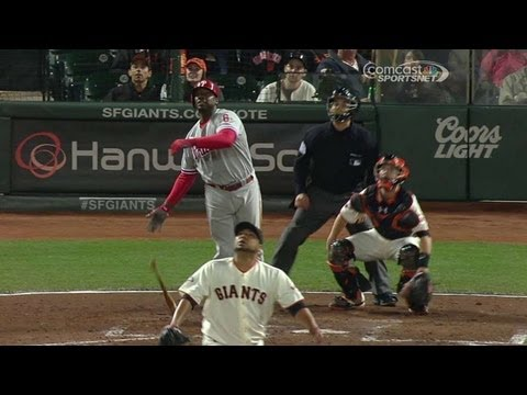Video: PHI@SF: Howard hammers a homer to straightaway center