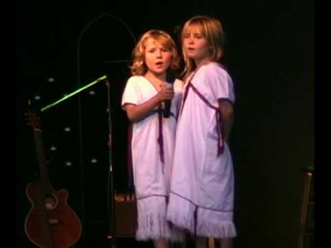 The Eubank girls singing - 07/19/09