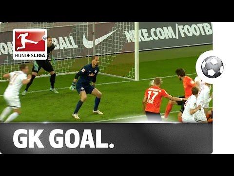 Goalkeeper scores last-minute winner!
