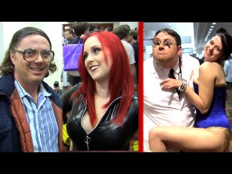 Gen Con - Renowned expert Hal Thompson and physician Dr. Moley get awkward with Magic The Gathering players, cosplay girls, and Klingons. More Hal: http://www.youtube....