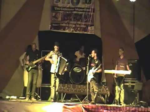gilneyparson e o sanfoneiro Kelvin Diniz musica baiao em irece bahia 19 de maio de 2012