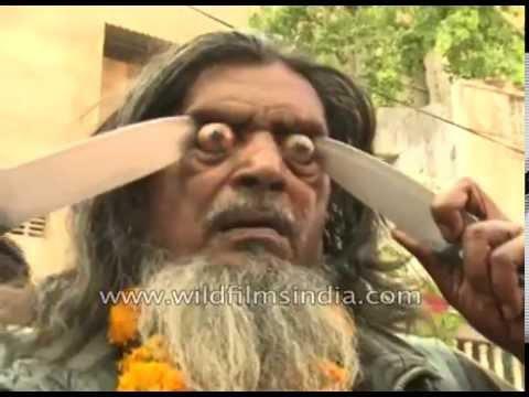 恐怖!用銳器把眼球戳到爆出來以表示虔誠…印度最驚悚的「烏爾斯節」!