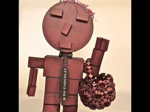 0 Chocorobox  in cardboard  with Upcycled Toy stop motion Robot movie Kid Art Animation