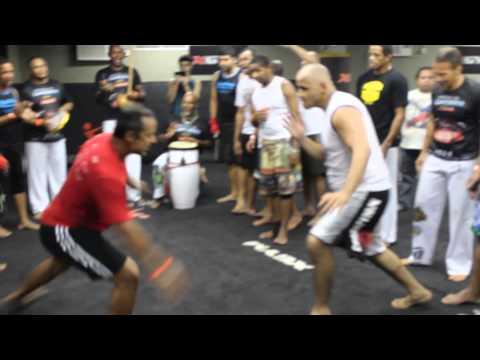 Roda Seminário de CAPOEIRA no MMA com Mestre Hulk e Alan Nuguete (видео)