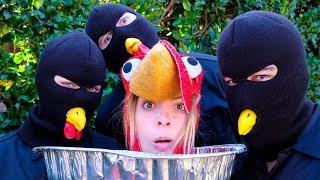 I'm Thanksgiving Dinner? | Lele Pons