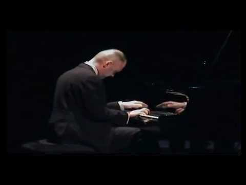 Jozef Kapustka plays Brahms