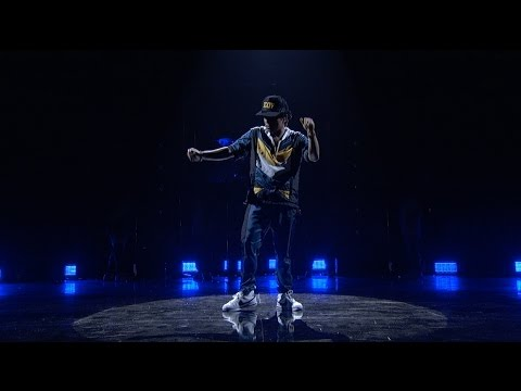 Bruno Mars - 24K Magic (from the 2016 American Music Awards) [Live]