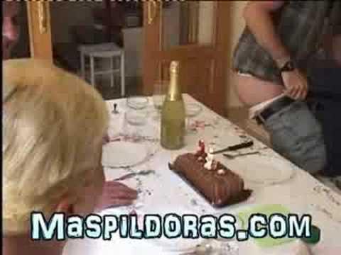 Flatulencia apaga la vela del cumpleaños